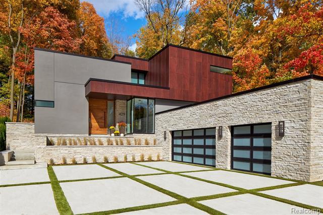 5802 Stonehedge Court, Ann Arbor, MI 48105
