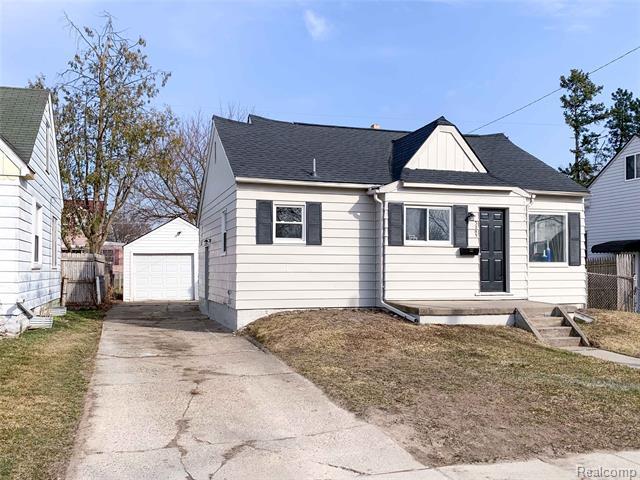 3285 CHEYENNE Avenue, Burton, MI 48529