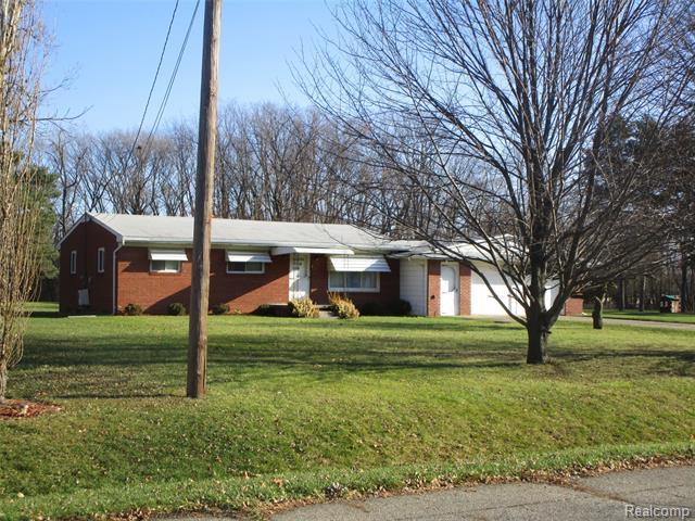 2425 NERREDIA Street, Flint, MI 48532