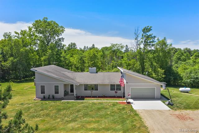 2140 DEER CREEK Trail, Metamora, MI 48455
