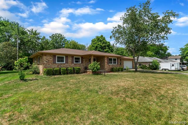 6452 Smoke Rise Trail, Grand Blanc, MI 48439