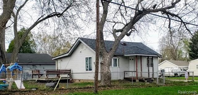 4102 TUXEDO Avenue, Flint, MI 48507