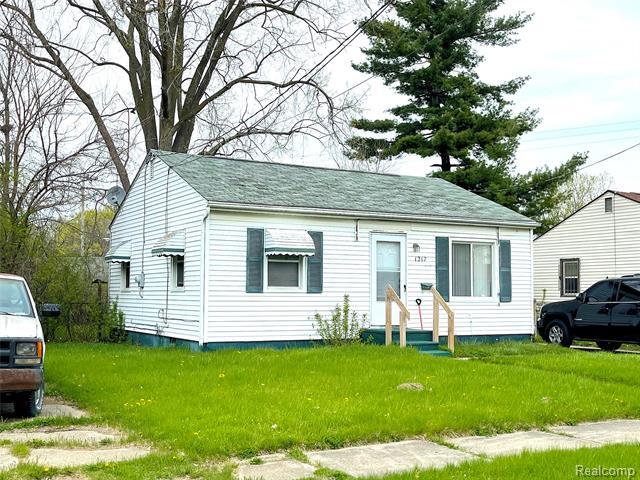 1217 E HOME Avenue, Flint, MI 48505