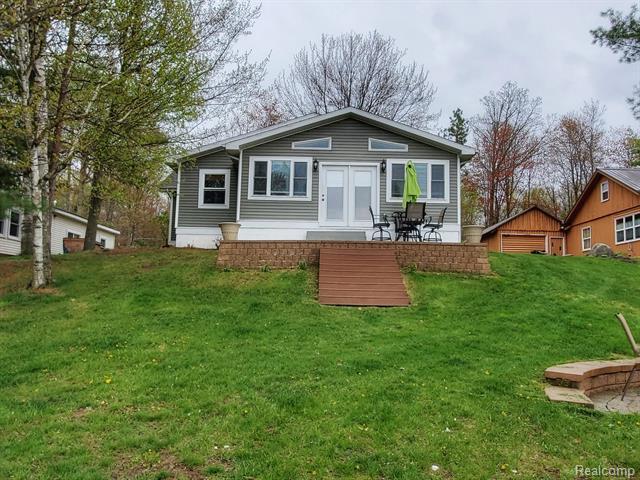 3676 S Lake Drive, Beaverton, MI 48612