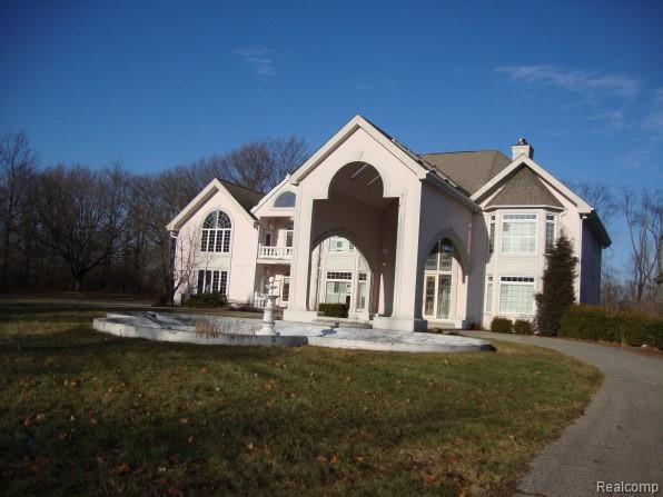 7580 RIVER Road, Flushing, MI 48433